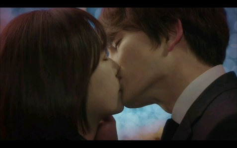 Kill Me Heal Me Korean Drama - Ji Sung and Hwang Jung Eum Kiss