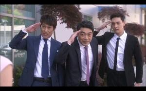 Girl Who Sees Smells Korean Drama - Cops