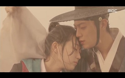 Splish Splash Love Korean Drama - Yoon Doo Joon and Kim Seul Gi