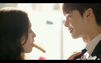 Pinocchio Korean Drama - Lee Jong Suk and Park Shin Hye Toast Kiss