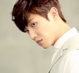 Woman With a Suitcase Korean Drama - Lee Joon