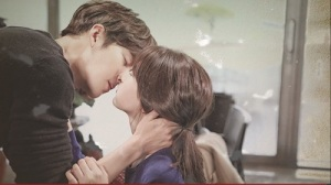 Uncontrollably Fond (Lightly Ardently) Korean Drama - Kim Woo Bin and Suzy Kiss