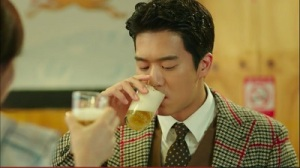 drinking-solo-ha-suk-jin-10