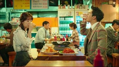 drinking-solo-ha-suk-jin-and-park-ha-sun-10