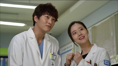 good-doctor-joo-won-and-moon-chae-won-10
