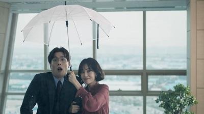 külföldi szereplőkkel randiznak lett randevú hagyományok