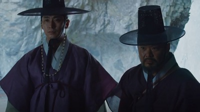 Kingdom Korean Drama - Joo Ji Hoon and Kim Sang Ho