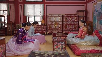 Queen Love and War Korean Drama - Jin Se Yeon, Lee Yeol Eum, Yoo Young